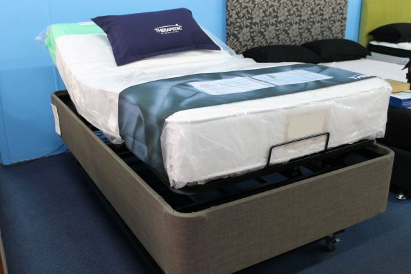 ELECTRIC LIFT BED & MATTRESS- KING SINGLE