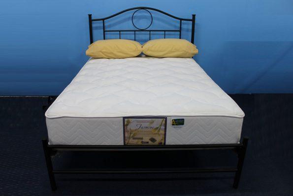 LINDSAY BED