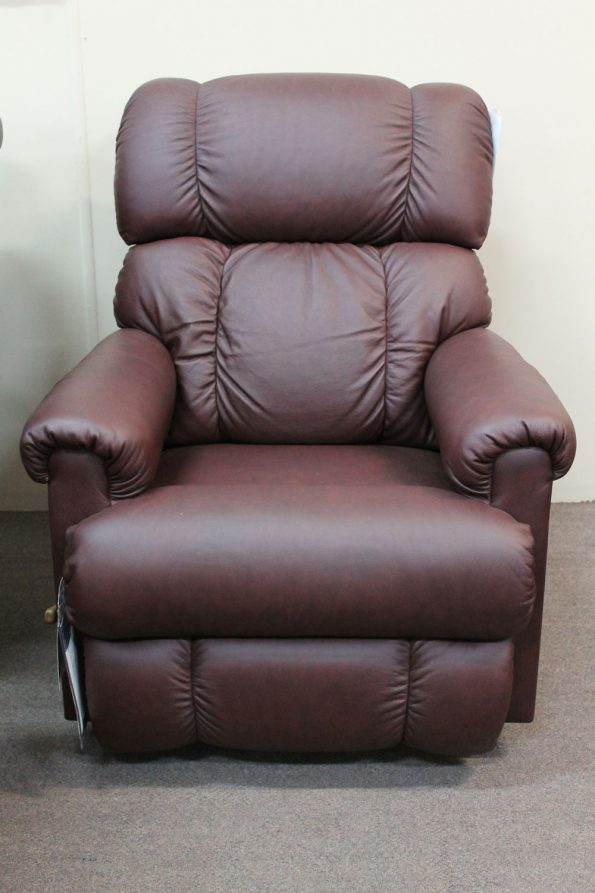 LAZBOY PINNACLE LEATHER RECLINER