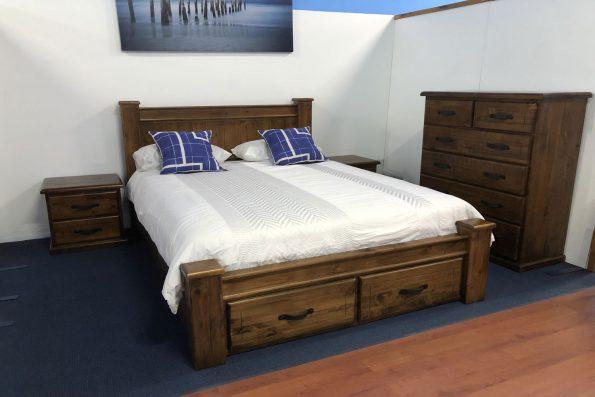 NULLARBOR PANEL STORAGE BED
